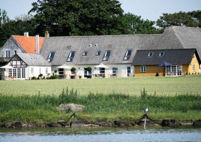 Hus syd ses til højre